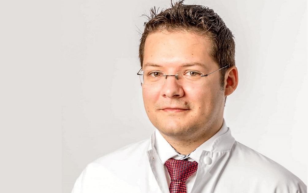 Dr Radu Botezatu